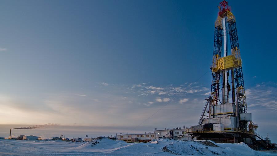 Когда День нефтяника в 2013 году?