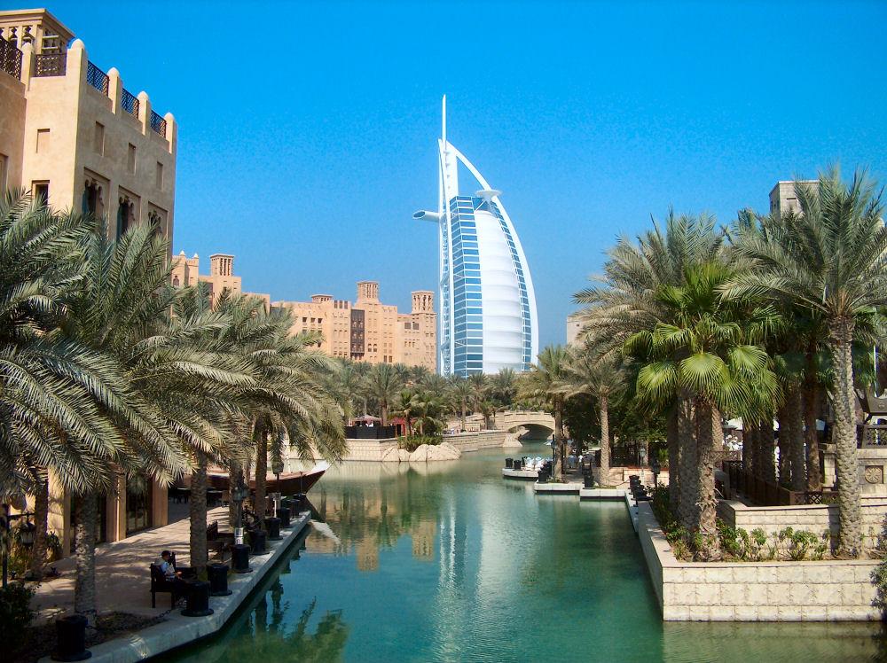Где находится Дубай?